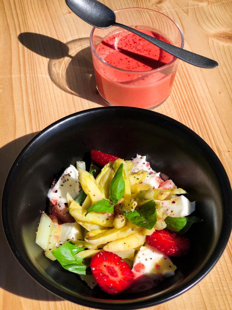 Asperges mozzarella basilic, vinaigrette fraise citron